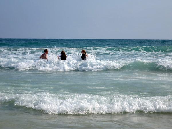 Waves in Phuket 2